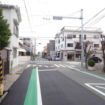 周辺環境】のんびりとした住宅街です。歩いた感じではとても住みやすそうでした。