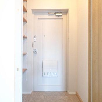 玄関は十分なスペース。