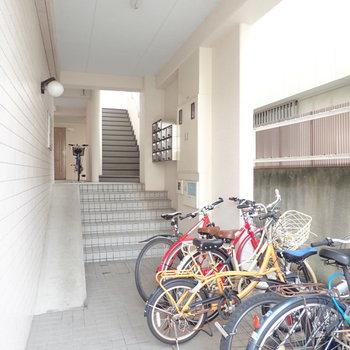 共用部】自転車はエントランスに。