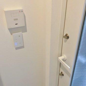 ホームセキュリティとダブルロック。安心です!