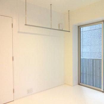 オープンクローゼットです※写真は5階の同間取り別部屋のものです