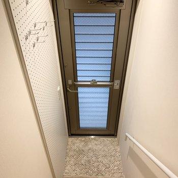 玄関も省スペース。
