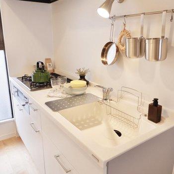 【イメージ】人工大理石のきれいなキッチン!