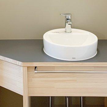 【イメージ】トイレには小さな洗面台!