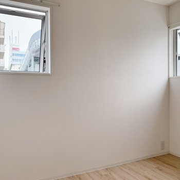 【洋室4帖】コンパクトな洋室は寝室にピッタリ。