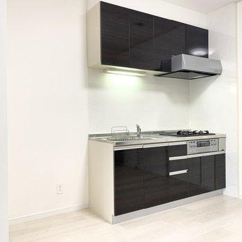 【LDK】キッチンの隣に冷蔵庫を置けます。