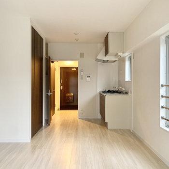 シンプルなデザインで家具も合わせやすい○
