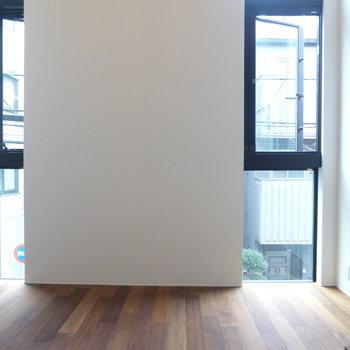 採光面は2つ、日当たりも良好なんです♪※写真は2階の同間取り別部屋です