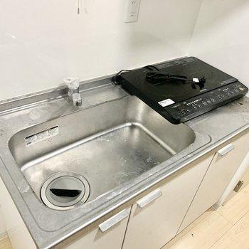 置き型のIHコンロでお掃除らくらく。※クリーニング前の写真です
