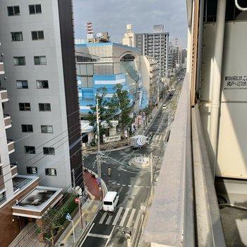 右下を見ると清川のロータリー。