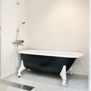 お風呂には浴室乾燥機も付いていますよ!