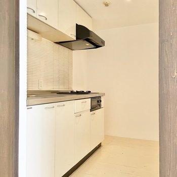 清潔感のある白いキッチン!