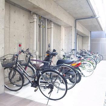 【共用部】自転車置き場があります。オートロックの内側ですね。