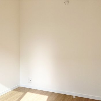 【2階・西側洋室】