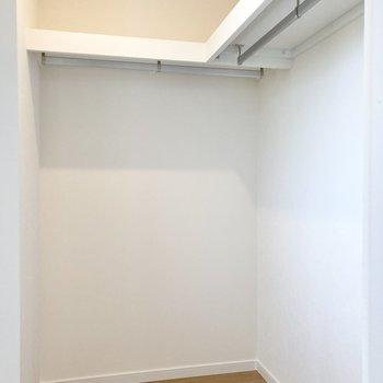 【2階・東側洋室】