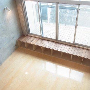 ロフトから見下ろした景色。開放的~!※写真は3階の同間取り別部屋のものです