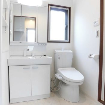 750サイズの洗面台!※写真は2階の同間取り別部屋のものです