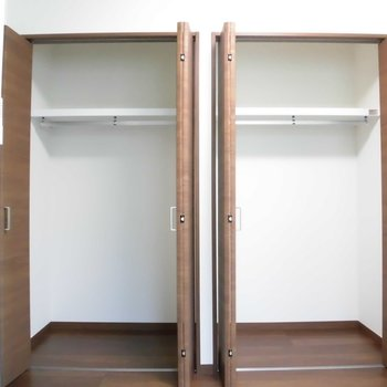 クローゼットも大きい!※写真は2階の同間取り別部屋のものです