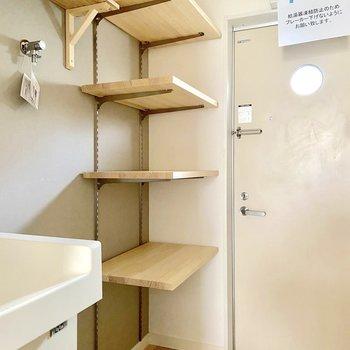 可動棚は高さの調整ができて便利