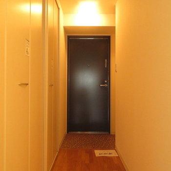 この左側が(※写真は5階反転間取り別部屋のものです)