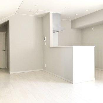 【LDK】対面式のキッチンです◎
