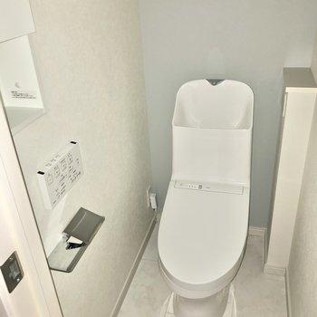 温水洗浄便座です。デザインも洗練されています。