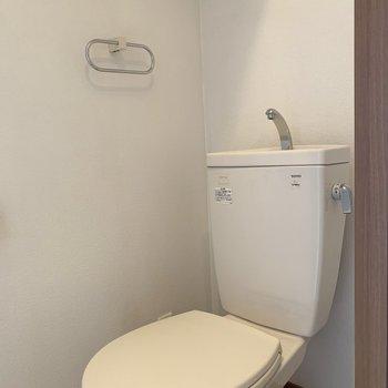 トイレはこんな感じ(※写真は8階の同間取り別部屋のものです)