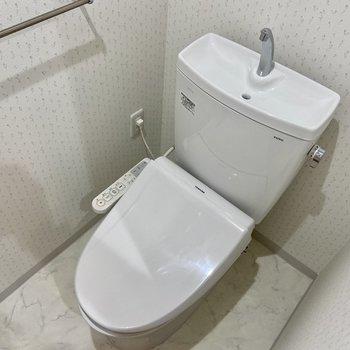 トイレは温水洗浄便座!
