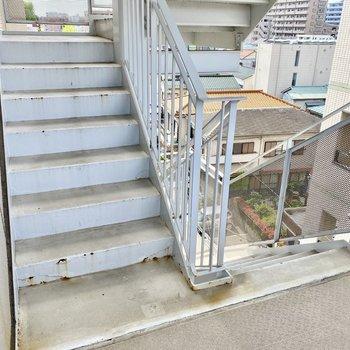 階段も利用できますよ。