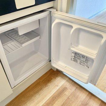ミニ冷蔵庫付きで初期費用を抑えることができます。