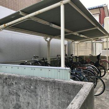駐輪場やゴミ置き場もありますよ