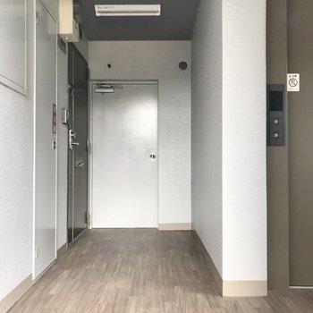 1フロアに2部屋ありました。もちろん角部屋です!