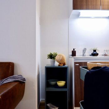 冷蔵庫もキッチンスペースにすっぽりと。