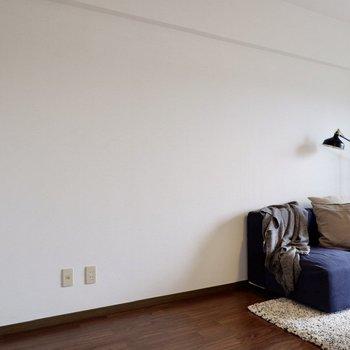 ブルーやグリーンなどで爽やかにまとめるのも良いですね。※写真は2階の同間取り別部屋のものです
