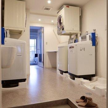 【コモンランドリー】こちらでお洗濯ができるんです。