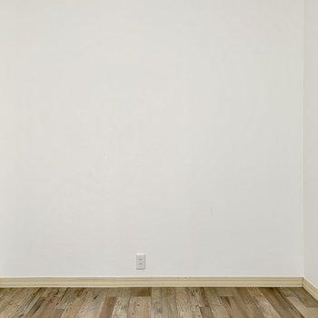 壁寄せで家具が置きやすい。