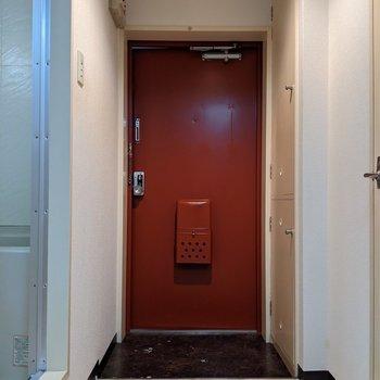 玄関スペースは広めなので身支度がしやすいです。