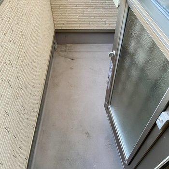 【1階】なんと洗面所にもバルコニーがあります。