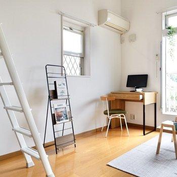 ハシゴの近くは小型の家具を置きましょうか。