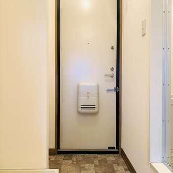 室内最後は玄関スペース。(※写真は2階の同間取り別部屋のものです)
