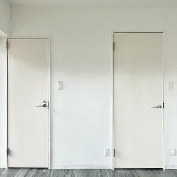 左がトイレで右が脱衣所。