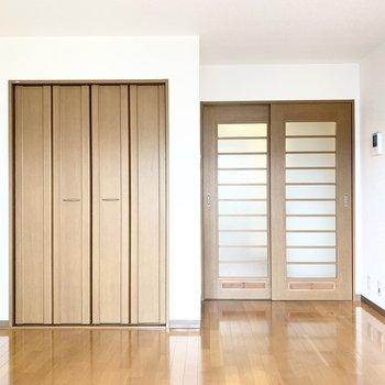 木製の家具が合いそうです。※写真は3階の同間取り別部屋のものです