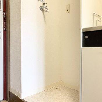 室内洗濯機置き場も嬉しいポイントです。※写真は3階の同間取り別部屋のものです