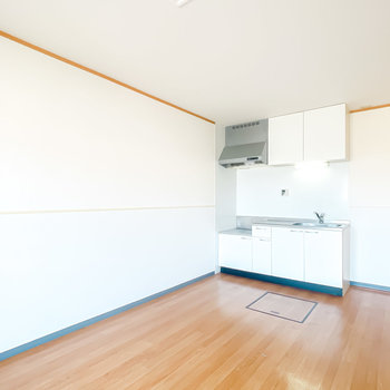 【LDK12.1】壁付けキッチンで見た目もスッキリ。コンロは持ち込み式です。