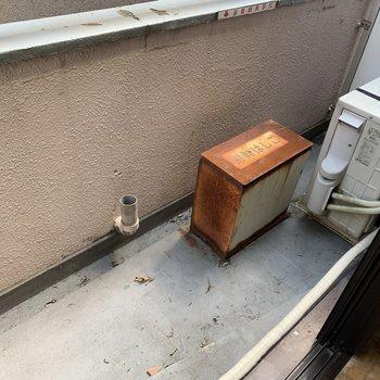 お部屋から洗濯物が干せそうです。※写真は2階の反転間取り別部屋のものです