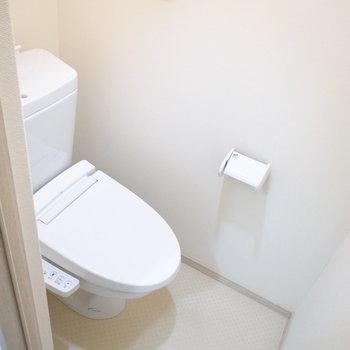 トイレはシンプルな空間。