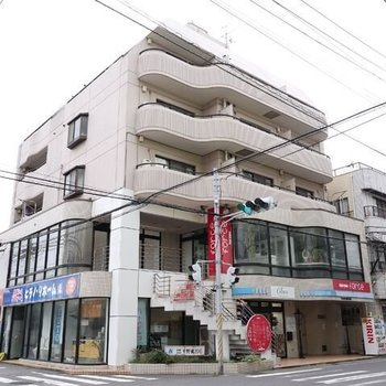メゾン三京