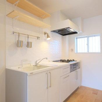 人工大理石を使った高級感のあるキッチン※写真は前回募集時のもの