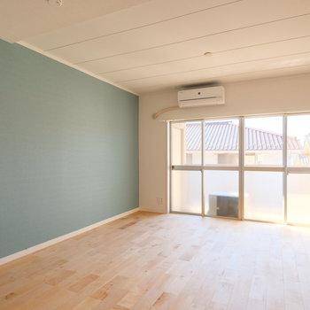 2つ分の窓がお部屋を明るく。※写真は前回募集時のもの