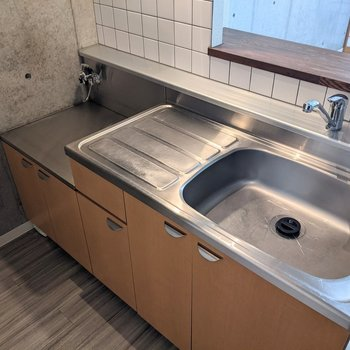 【LDK】家事がしやすいゆとりのあるキッチンです。